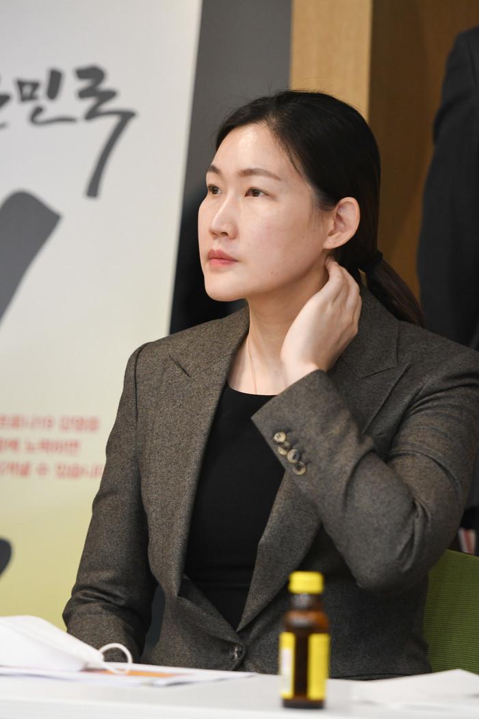 """BNK 개혁을 이끄는 박정은 신임 감독""""상쾌한 공격 농구 보여 줄게""""(일본 Q & A)"""